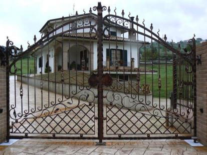 cancello-carraio-in-ferro-battuto